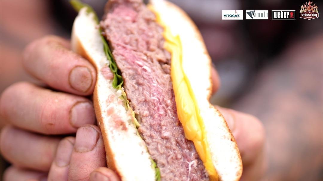Der perfekte Burger I Grillieren mit Stüssi